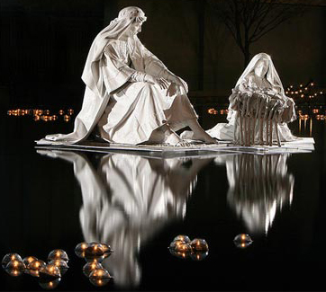 Christmas Reflection - statues
