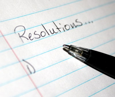 new-yearresolutionslist - pen and paper list