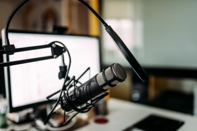 10-Recovery-Podcasts-That-Inspire,-Educate,-and-Entertain - radio station recording equipment